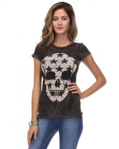 Round neck, mineral washed, short sleeve skull tee